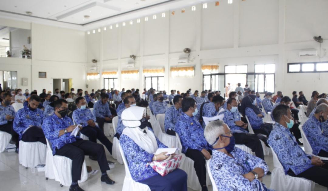Para peserta kongres yang hadir
