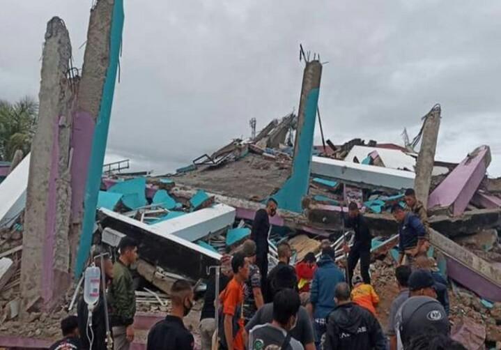 Tengah Malam, Gempa Besar Kembali Guncang Majene