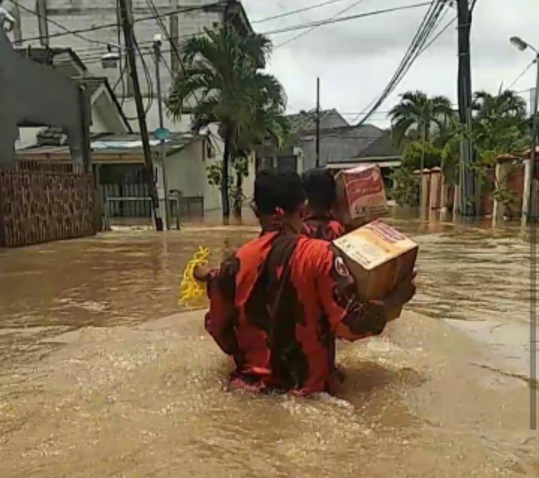 Korban banjir-cybernewsnasional.com